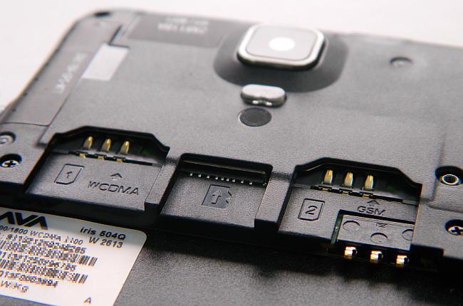 Lava Iris 504Q- microSD and SIM card slots