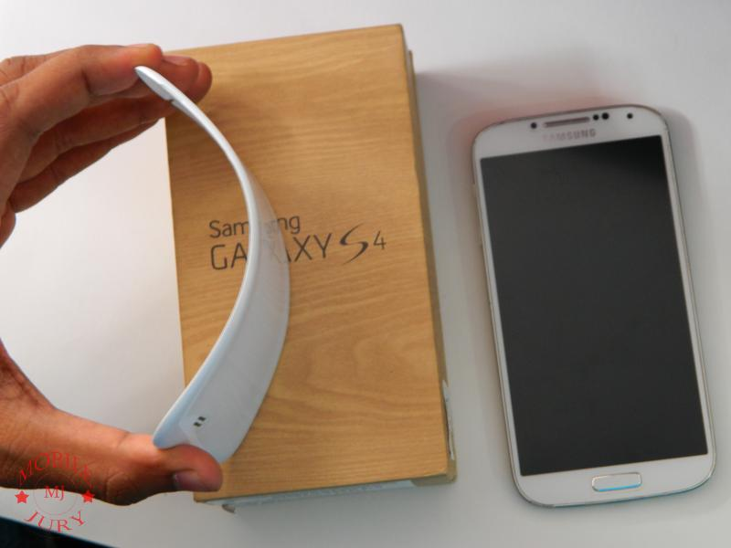 Samsung Galaxy S4- Foldable Back Panel (2)